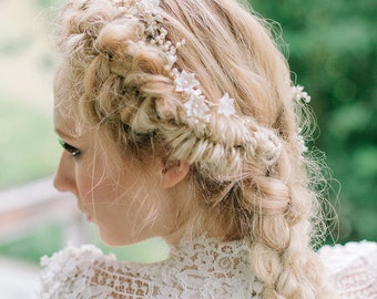 Timeless floral and crystal hair vine