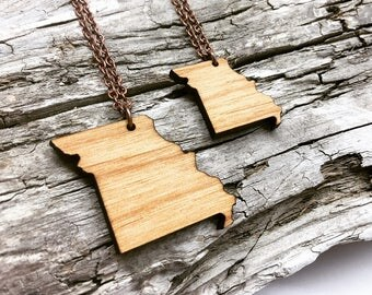 Missouri Wood State Necklace - Customizable Wooden Necklace - MO State Jewelry with Copper Tone Chain