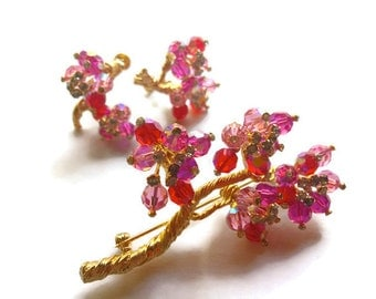 Vendome Demi Brooch and Earrings Fuchsia Pink Borealis Rhinestones  1950s