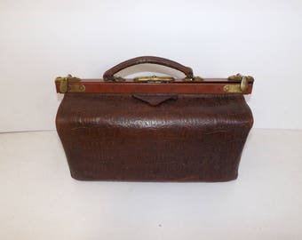 Antique 1910s brown leather large doctors bag gladstone mary poppins handbag brass fastener and fittings