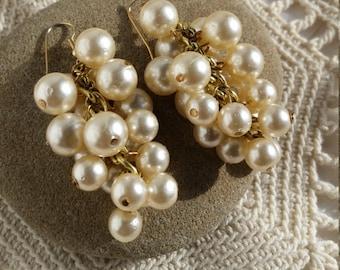 Glamorous Vintage Pearl Bead Dangle Earrings