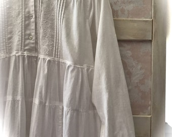 Romantic Victoriana Style Poets Dress Vintage Details Regency Romantic Feminine and Comfortable Size Large