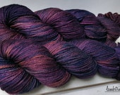 Ewetopia Worsted, Hand dyed yarn, Superwash Merino Wool, 218 yds/ 100g: Corazon.
