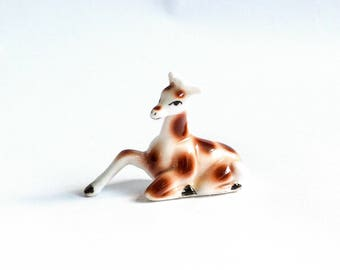 Teeny tiny Giraffe ornament