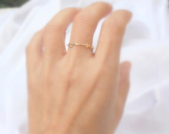 Thin Delicate Arrow Ring - Arrow Chain Ring in Sterling Silver 925 / 14k Gold Fill Arrow Ring / Gold tiny ring / Direction ring