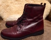 VINTAGE Women's Burgundy Lace Up LEATHER Boots BOOTIES- Size 7M
