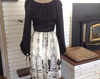 Nifty Retro Aztec Summer Skirt! Size Large!!