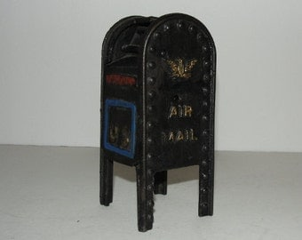 Vintage Cast Iron US Mail Box