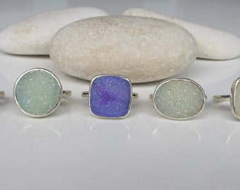 Solitaire Druzy Sterling Silver Ring- Purple Green Druzy Ring- Sparkly Unique Gemstone Ring- Druzy Statement Bezel Ring- Simple Druzy Ring