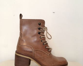 90s brown leather chunky heeled ankle boots, butterscotch boot, size 6.5 -vintage-