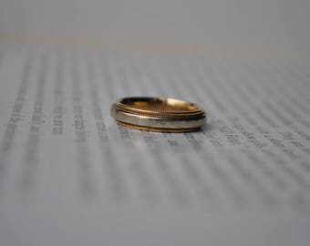 Vintage 10K Gold Band - 1980s Yellow & White Gold Ring, Wedding Band