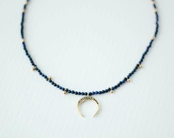 "Necklace lapiz lazuli and brass horn 15"""