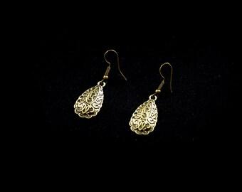 Water drop earrings bronze delicate,