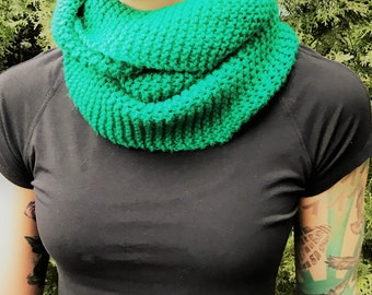Kelly Green Twisted Infinity Scarf