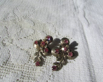 Sweet vintage pink  rhinestone flower and leaf clip on earrings 50's 60's style