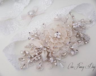 Heirloom Wedding Garter Set, Bridal Garter Set, Vintage Inspired Garter, Pearl Garter, Wedding Garter, Ivory Wedding Garter