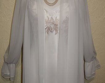 elegant Saks Fifth Avenue FLORA NIKROOZ PEIGNOIR Set long gown size small Wedding Night Lingerie