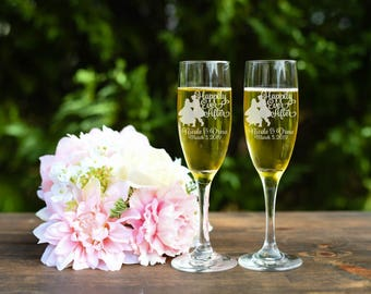 Snow White Toasting Flutes - Happily Every After Toasting Flutes - Champagne Flutes