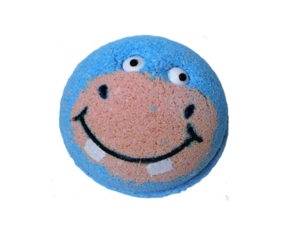 HAPPY HIPPO Bath Bomb - Bubblegum/Lavender With Organic Coconut Oil, Cocoa Butter & Arrowroot Powder - / Vegan / Kids / Bath Bomb