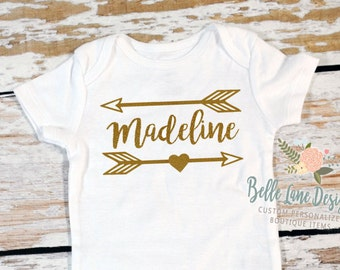 Name with Arrow Glitter Onesie | Glitter Vinyl | Personalized Onesie | Glitter Baby Clothes | Baby Onesie with Name | 009