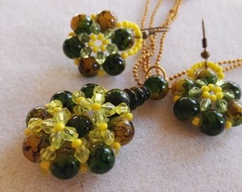 Beautiful wildflower beadwork Green yellow beads gold plated brass necklace and matching earrings