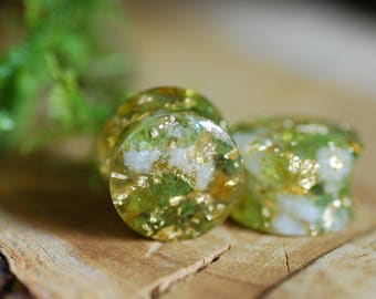 Peridot and Citrine Plugs, Green Gauges, Gemstone Plugs, 24K Gold Piercing, Wedding Gauges, Crystal Plugs, Nature Resin Gauges, Girly Plugs