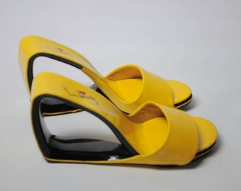90s does 70s Luichiny Yellow Cutout Wedges 36