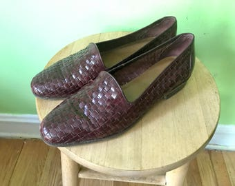 Vintage Mahogany Brown Woven Shoes Loafers  1980s woven flats Leather Boho Hipster shoes womens size 8.5
