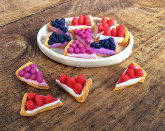 Strawberry, blueberry or raspberry pie share - 1: 6 scale