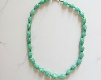 Vintage 1960s Green Glass Beaded Choker Necklace | Vintage Green Necklace