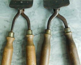 French vintage sheep shearers  Wool clippers  Vintage farm tool  Bariquand Paris  Lameme B.V. Paris