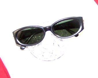 vintage gianni versace sunglasses designer sunglasses glamorous gray mod 252 col 240 gray with silver medusa versace logo