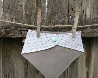 Baby and Toddler Bibdana Bib, Drooler Bib Geometric Mint Grey Triangle