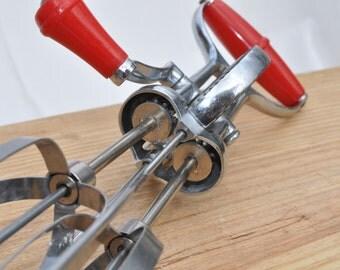 Vintage Turner & Seymour Superwhirl Hand Mixer