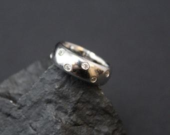 Vintage Sterling Silver Modernist CZ Band Ring