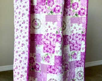 Baby girl Quilt, Girl crib Quilt, Lilac and  magenta crib Quilt for Baby or Toddler.