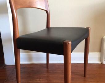 Arne Hovmand Olsen Teak Chair. Teak Dining Chair. Mid Century Modern. Danish Furniture. Desk Chair. Mogens Kold.