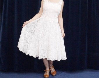 1950's dress 50's Vintage wedding dress white lace floral sleeveless wedding sundress bridal gown small size