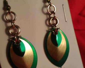Green/Sand 3 Graduated Scale Earrings