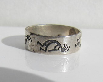 Native American - Southwestern Signed - Sterling Silver Kokopelli Band Ring - Size 8    0941