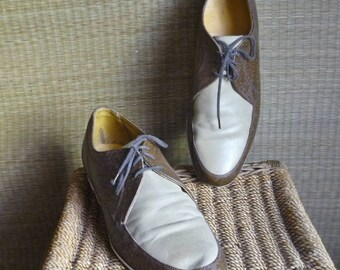 Vintage leather bowling shoes / leather lace-up flat heel