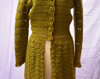 hand crochet sweater coat dress 60s vintage wool olive green great condition