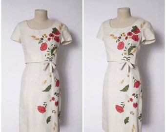 Vintage 1950s Dress | 60s Wiggle Dress | Novetly Print Dress | Embroidered Dress | Cream Wiggle Dress with Top | S