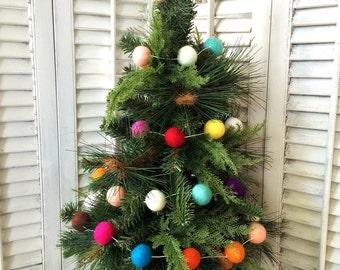 White String 10ft -Felt Ball Garland, Christmas Garland, Wool Pom Pom, Nursery Decor, Felt Garland, Room Decor, Party Decor