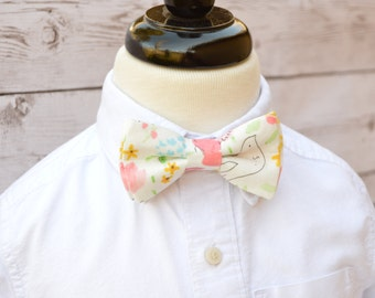 Floral bow tie for wedding, rustic ring bearer outfit, shabby chic wedding bow tie, boys necktie, toddler ring bearer outfit, pageboy outfit