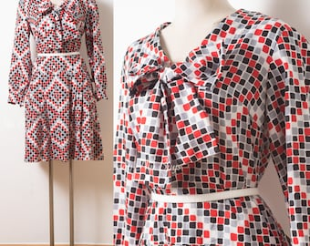 Mod Dress, 60s Space Age Dress, Mad Men Dress, Nautical Dress, 60s Bow Tie Dress, Go Go Dress, Vintage Pleated dress - XL/1XL