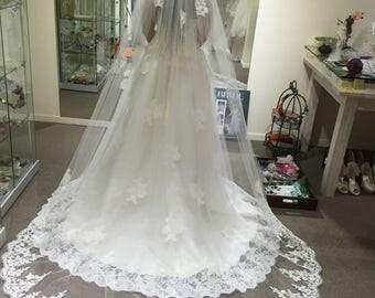 Juli Bridal-- Classic Lace Veil No.30