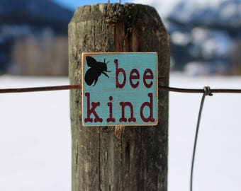 Kitchen Magnet, Fridge Magnet, Farmhouse Decor, Bee Magnet, Bee Decor, Country Cottage Magnet