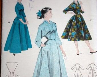 Vintage Coachman Robe or Brunch Coat Pattern---Butterick 7461---Size 14  Bust 32