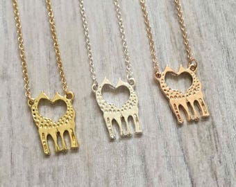 giraffe necklace,  animal necklace in gold, silver or Rosegold, heart necklace, giraffes necklace, giraffes in love
